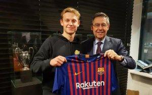 Barcelona signing, Frenkie de Jong