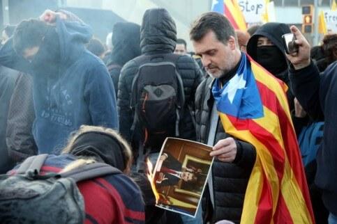 Felipe VI protest