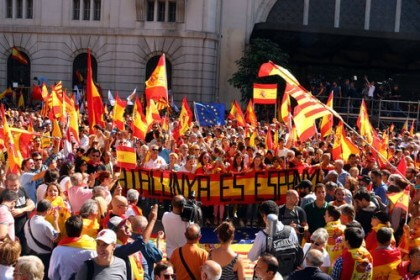 Protestors calling for Spain to remain unified in October 2017
