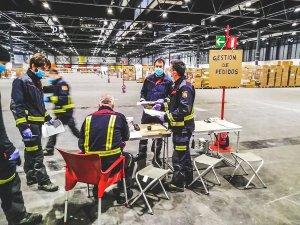 Firemen helping at IFEMA