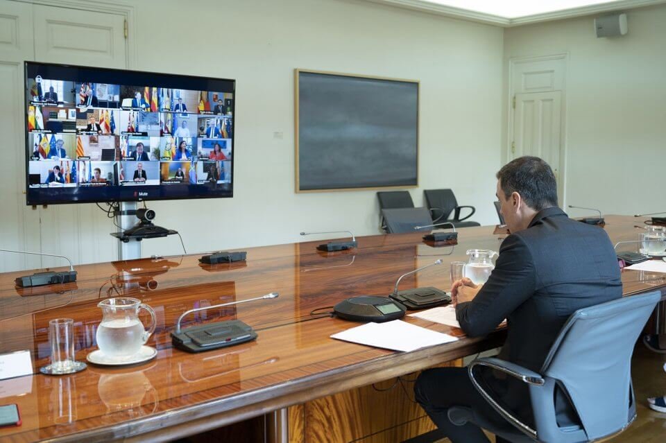 Pedro Sánchez video-conference meeting with regional presidents