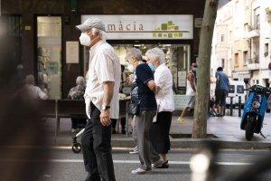 Citizens walking in Barcelona