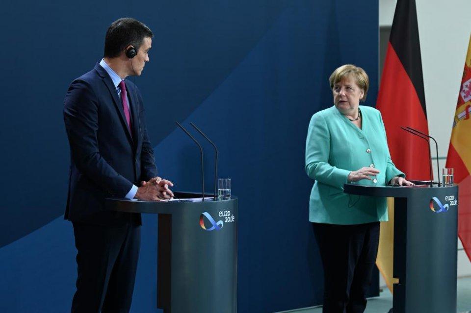 Spanish PM Pedro Sánchez meeting with German Chancellor Angela Merkel