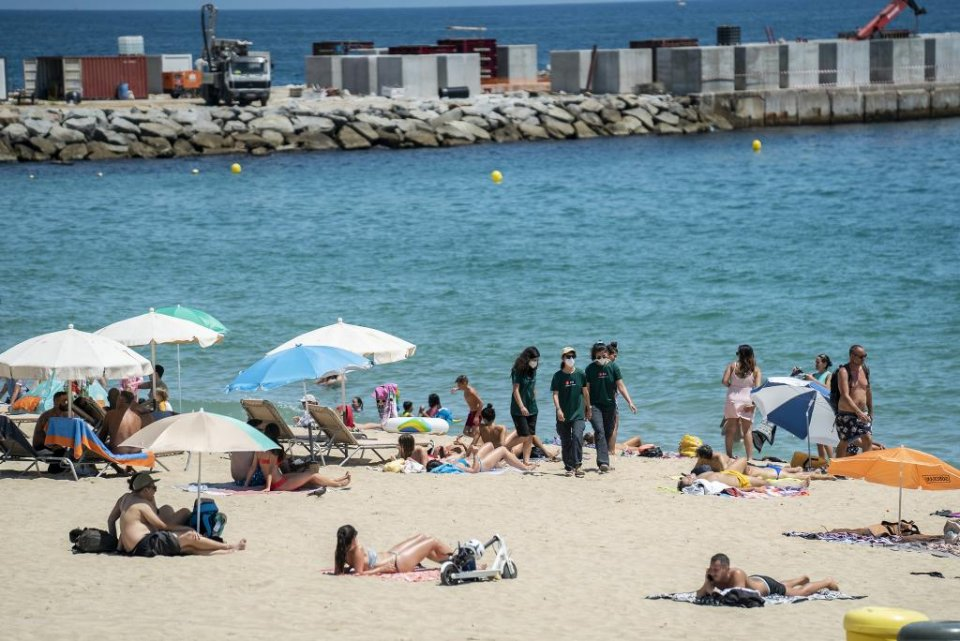 Barcelona City Council 'beach helpers'