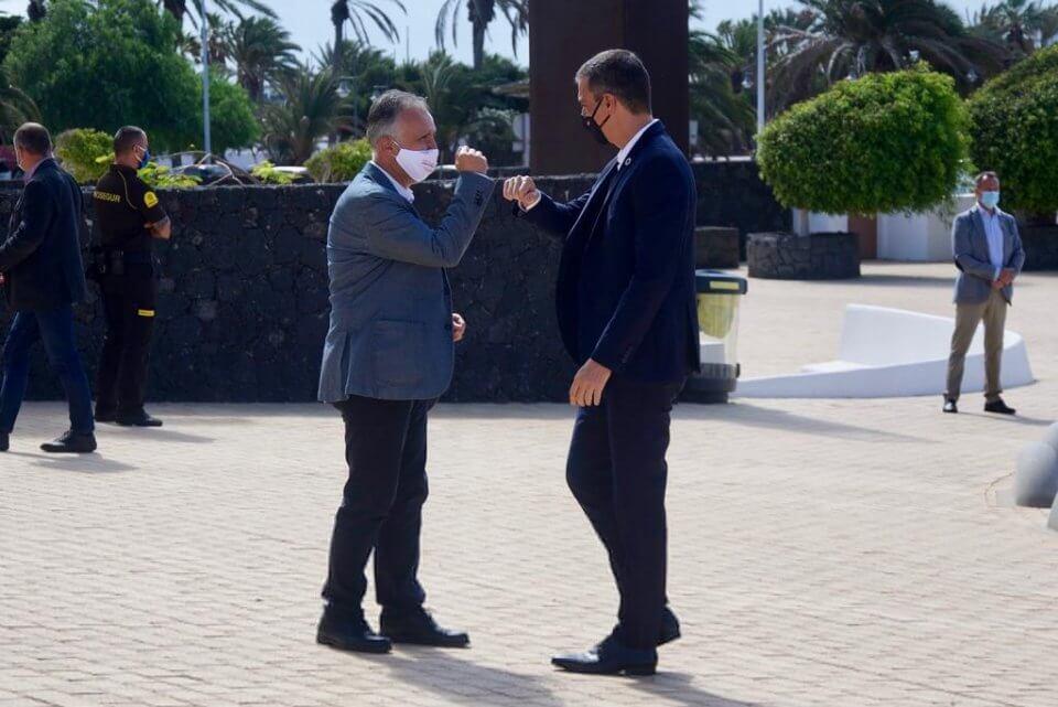 Ángel Víctor Torres and Pedro Sánchez