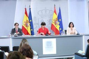 Isabel Celaá and Health Minister Salvador Illa