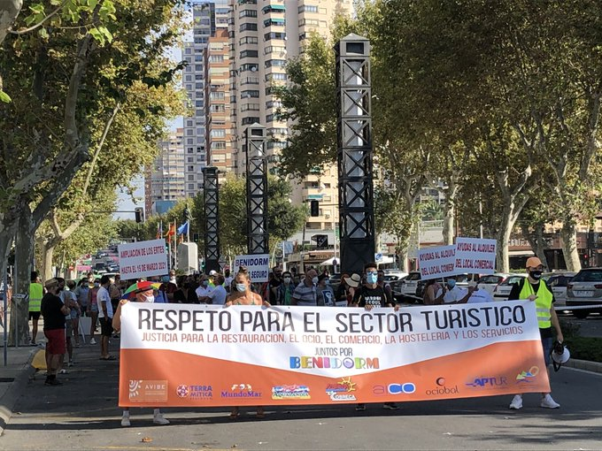 Protest in Benidorm in support of the tourism sector