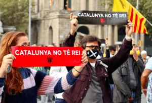 Protestors in Barcelona against Felipe VI