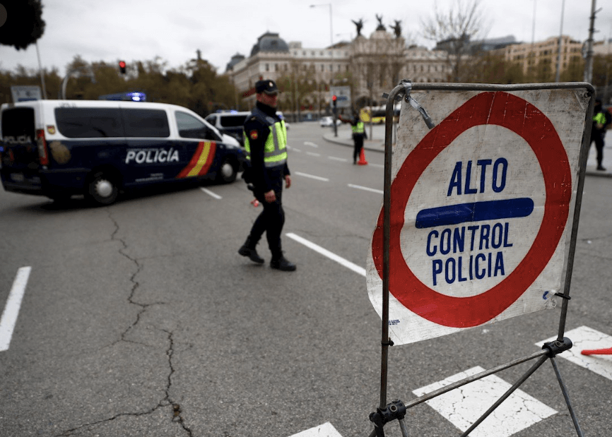 Police controls in Madrid during the State of Alarm.