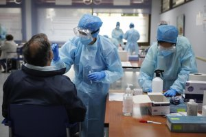 Antigen tests for Covid-19 being carried out in Madrid region.