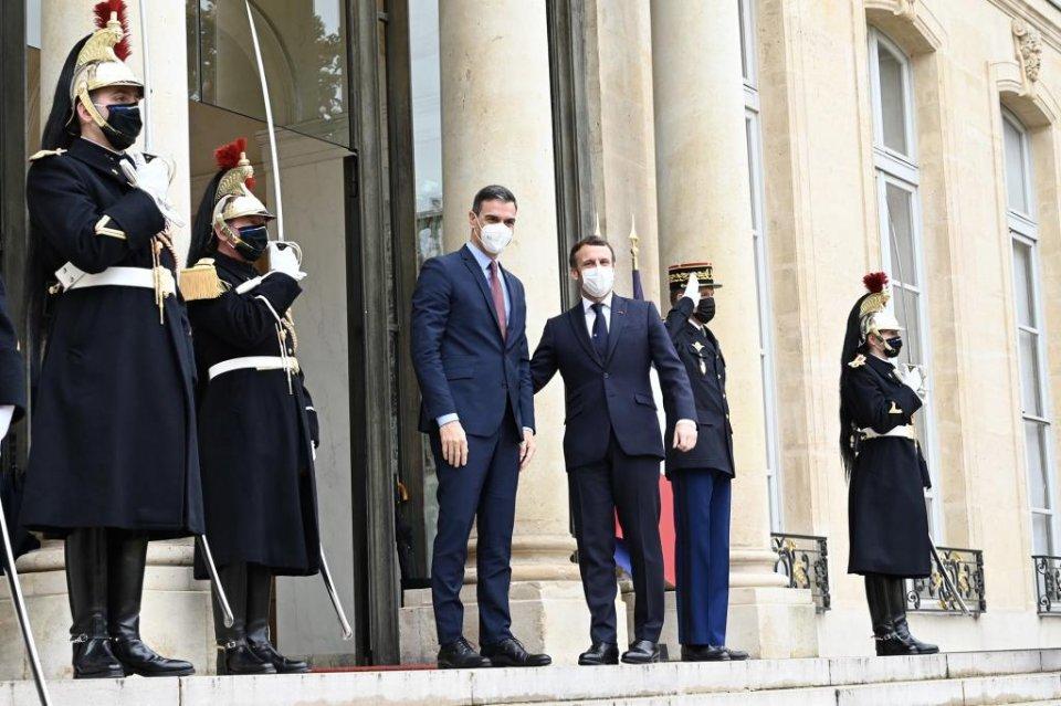 Pedro Sánchez and Emmanuel Macron