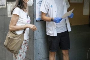 PCR testing being carried out in the Sant Martí district of Barcelona
