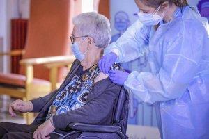 Josefa Pérez, aged 89, receiving the Covid-19 vaccine in Catalonia on 27 December 2020.