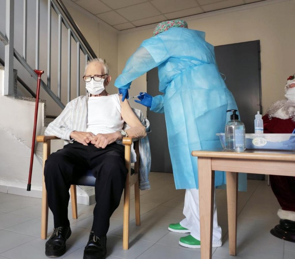 Batiste Martí, aged 81, was the first Valencian to receive the Covid-19 vaccination