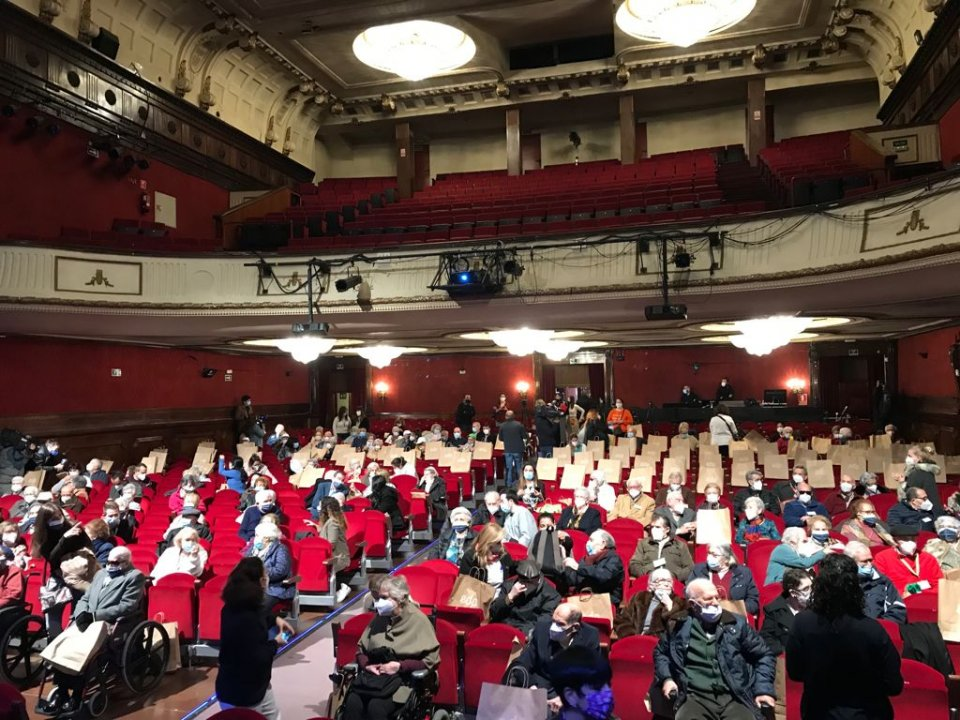 Senior citizens enjoying their first outing for a year, to the EDP Theatre
