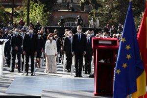 Spain's King Felipe VI and Prime Minister Pedro Sánchez