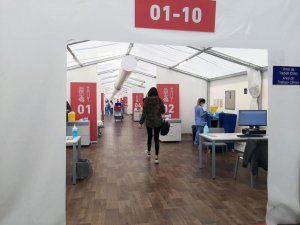 An image of one of Valencia's field hospital vaccination centres.