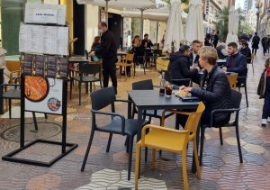 Bars and restaurants with outside terraces have been able to re-open this week in Valencia