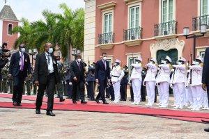 Spanish PM Pedro Sánchez being received by João Lourenço, President of Angola