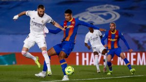 Karim Benzema scoring his goal in El Clásico. (@RealMadrid / Twitter)