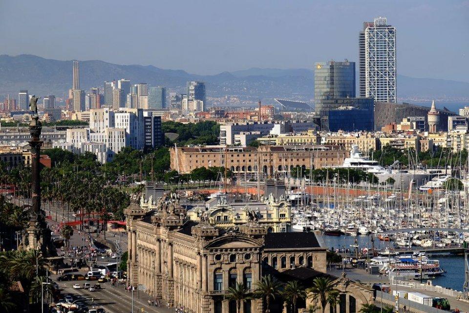 Skyline of Barcelona. (Vicente Zambrano González)
