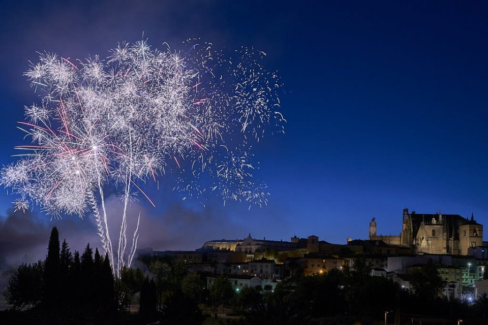 Fireworks over Plasencia during a previous fair.