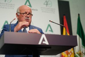 Jesús Aguirre, head of Andalusia's health and families department.