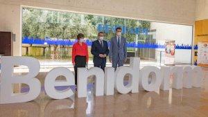 British Ambassador Hugh Elliott and Consul General Sarah-Jane Morris with the Mayor of Benidorm, Toni Pérez