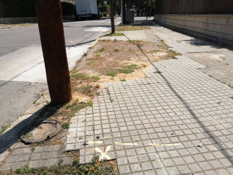 Preliminary work on a pavement in Avinguda del Vinyet, Sitges.
