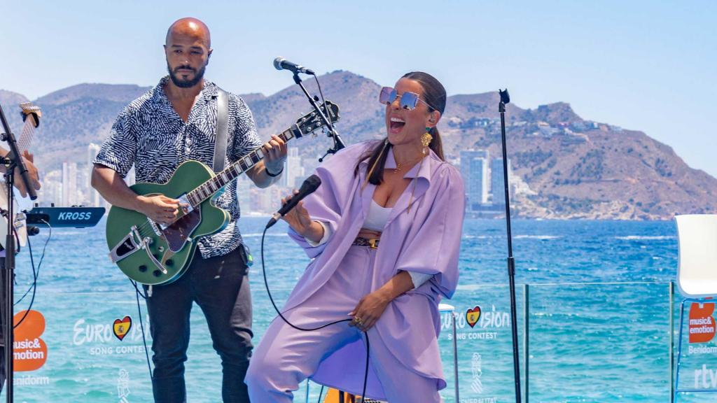 Ruth Lorenzo performs at the presentation in Benidorm