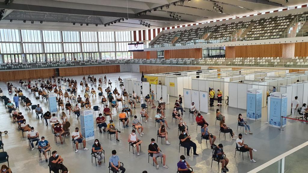 Vaccinations at the Palau d'Esports Catalunya in Tarragona