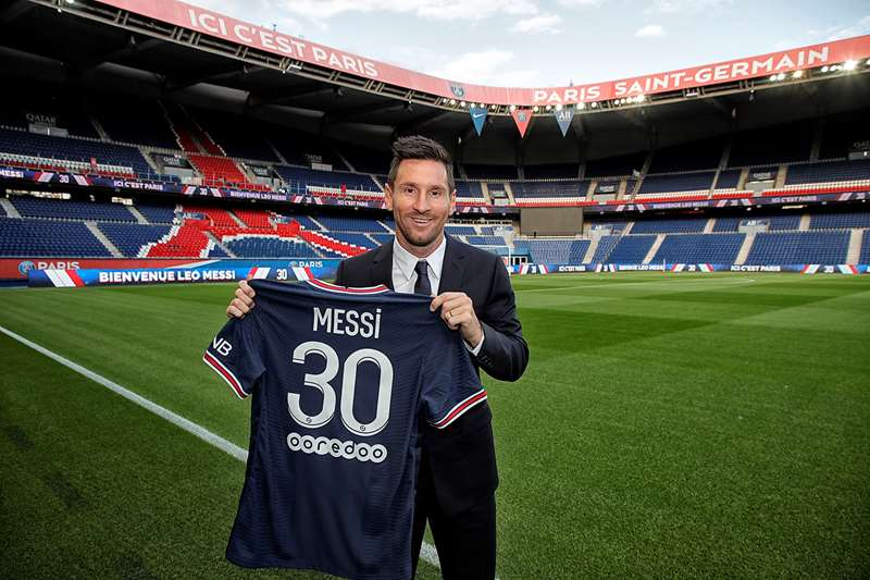 Lionel Messi now at PSG with his new number 30 shirt.
