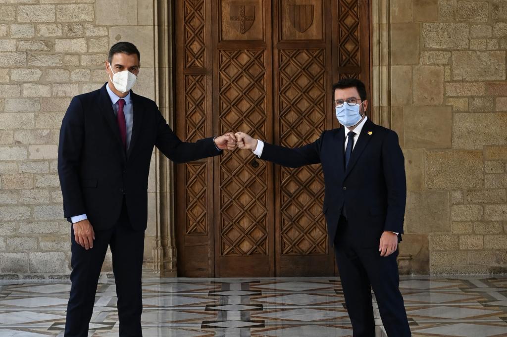 Spanish Prime Minister Pedro Sánchez and the Catalan President Pere Aragonès.