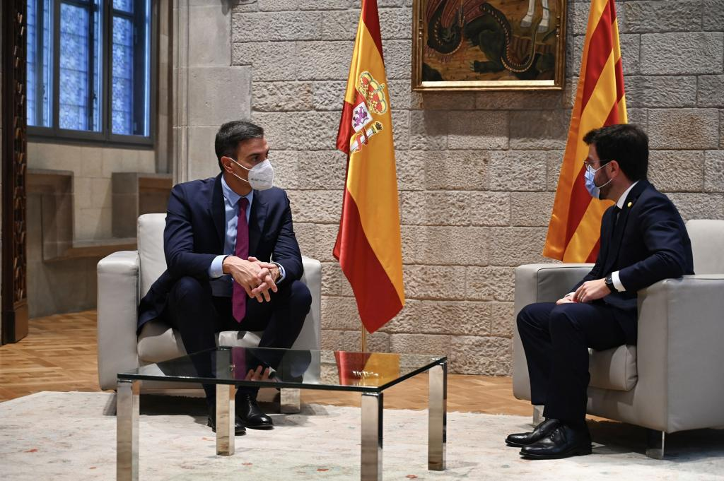 Spanish Prime Minister meeting with the Catalan President, Pere Aragonès, on 15 September 2021 in Barcelona.