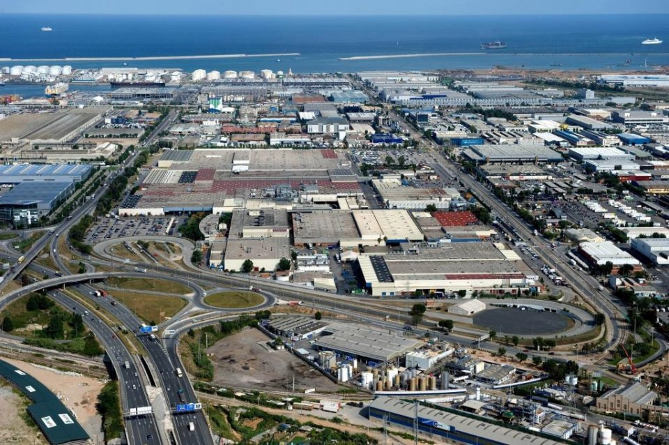 Aerial view of the Nissan plants in the Zona Franca area of Barcelona.